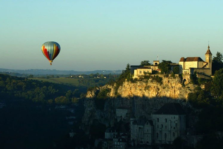 Hot air ballooning, Rocamadour (Lot)