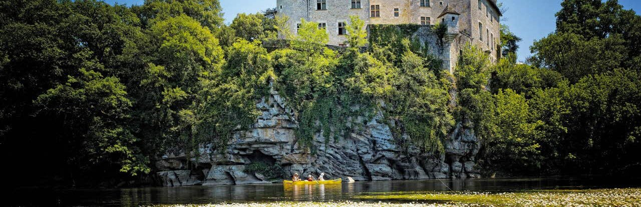 Canoeing in the Dordogne Valley (Lot)